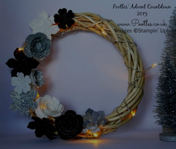Pootles Advent Countdown #3 Christmas Wreath Tutorial Dark