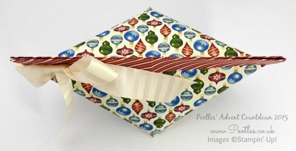 Pootles Advent Countdown #11 Enormous Self Close Bag Tutorial Overhead