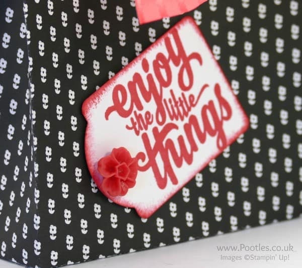 Stampin' Up! Demonstrator Pootles - Way Back Wednesday Monochrome Big Bag Tutorial close up