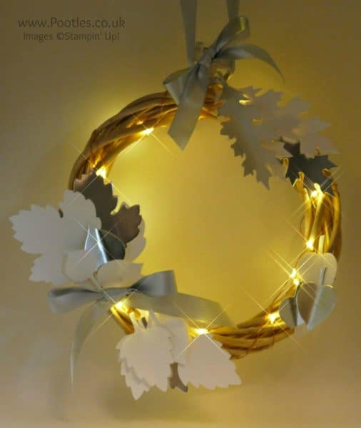 Pootles Advent Countdown 2016 #24 Leaflets Illuminated Wreath Lit